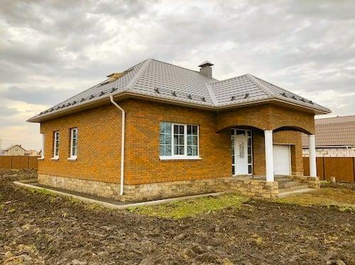 Мария Сафронова - кирпичный дом